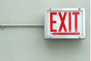 Picture of exit sign, as metaphor for quitting strategically in your career